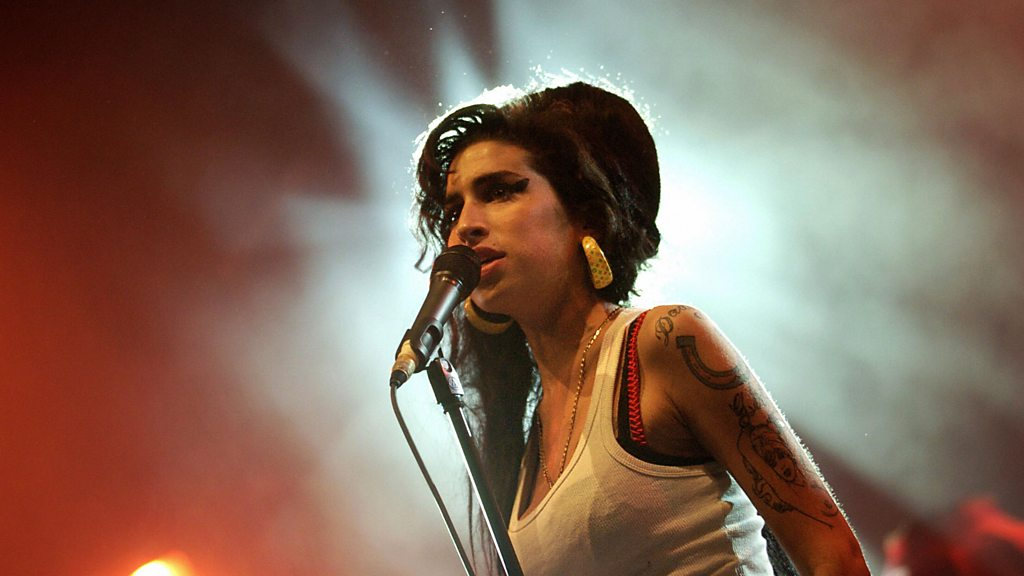 Demo by 17-year-old Amy Winehouse emerges